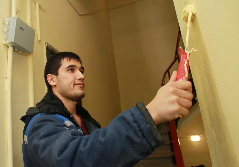 Ремонт восьми подъездов жилых домов проведут в Пресненском районе