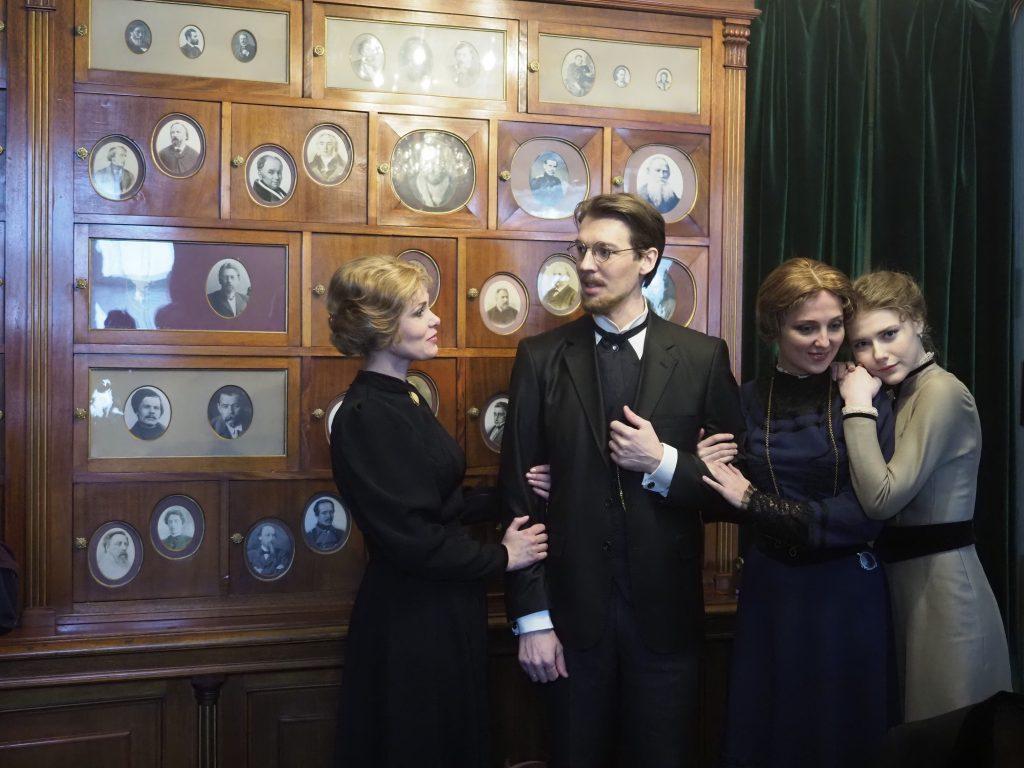 Фотофакт: репетиция спектакля «Три сестры»
