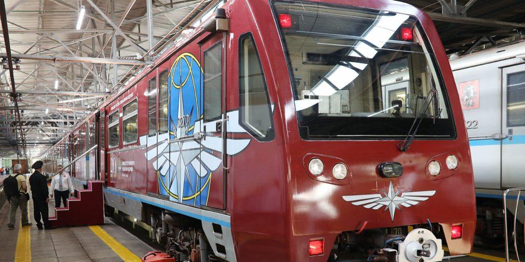 Поезд «Путь к Победе» запустили по кольцевой линии Московского метрополитена. Фото: сайт мэра Москвы