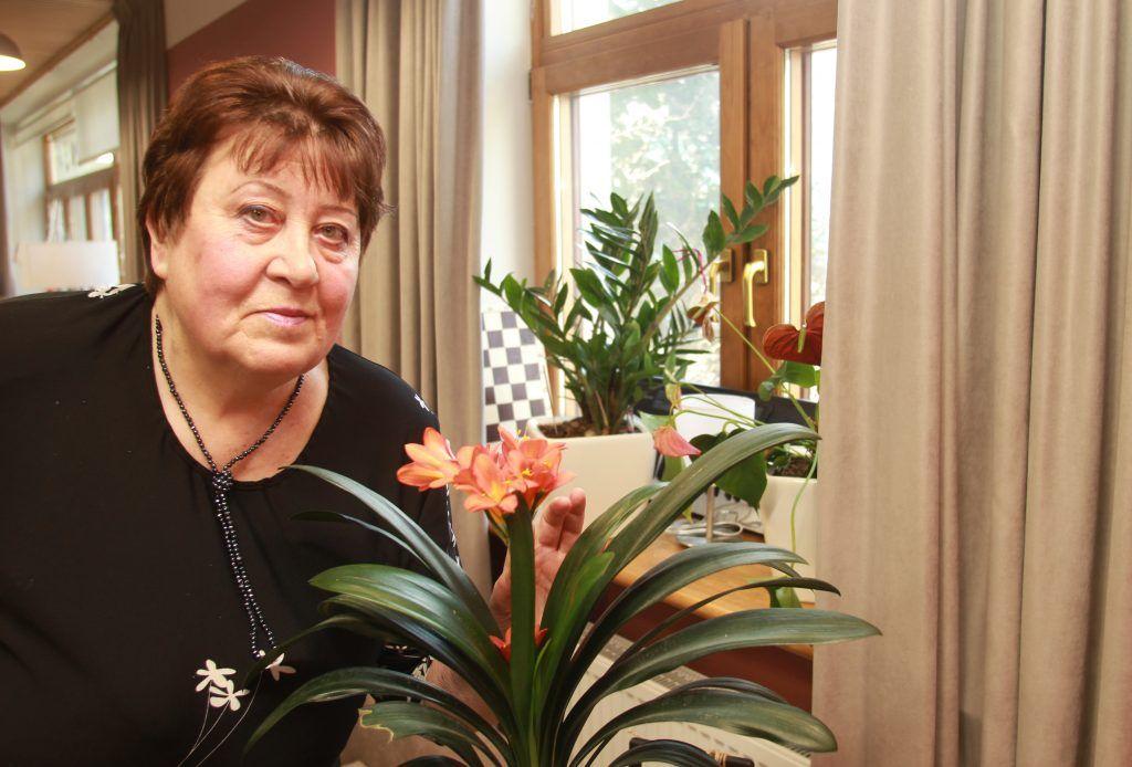 Бабушка знает, как вырастить богатый урожай