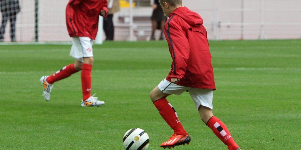 Ура, гол: футболисты «Сокола» встретятся на поле с командой «Спутник». Фото: сайт мэра Москвы
