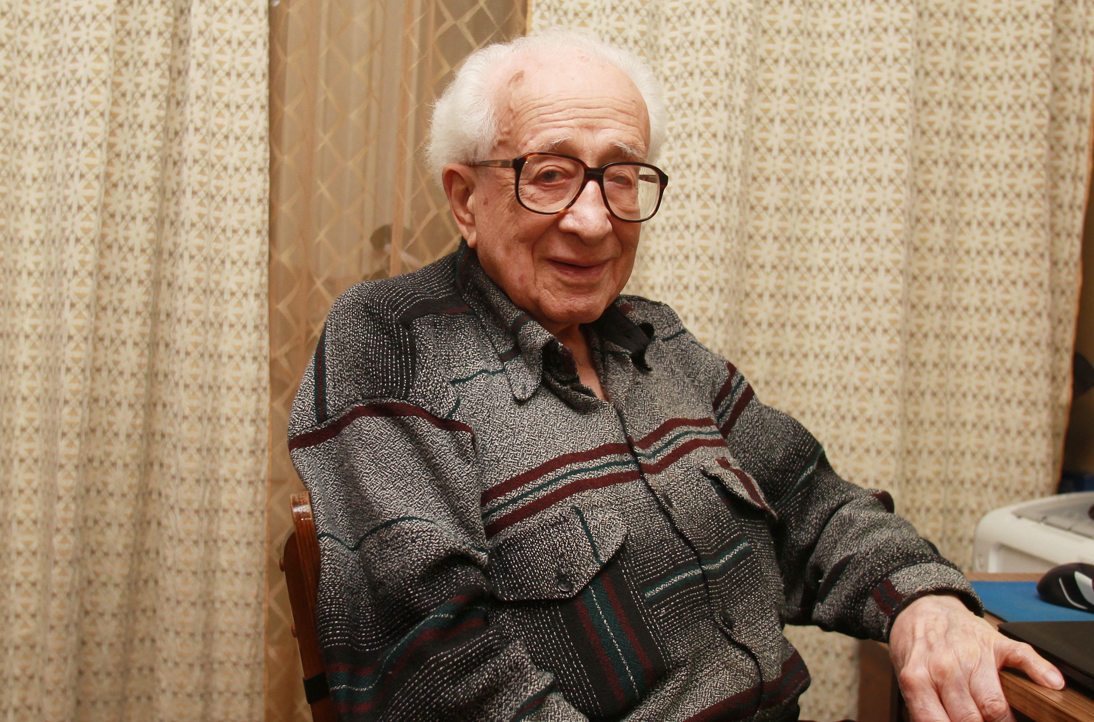 Ветеран Великой Отечественной войны Владимир Брагиснкий сейчас живет в районе Якиманка. Фото: Наталия Нечаева, «Вечерняя Москва»