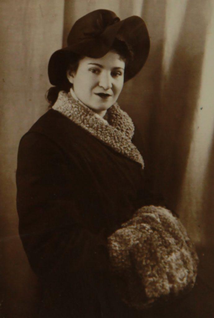 1948 год. Мира Буриева после войны окончила медицинский вуз. Фото из личного архива
