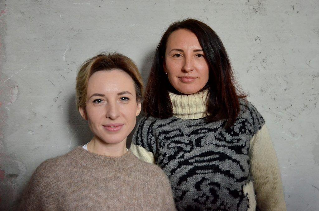 Сестры Юлия и Вера Самохины рассказали об уходе за бижутерией. Фото: Анна Быкова