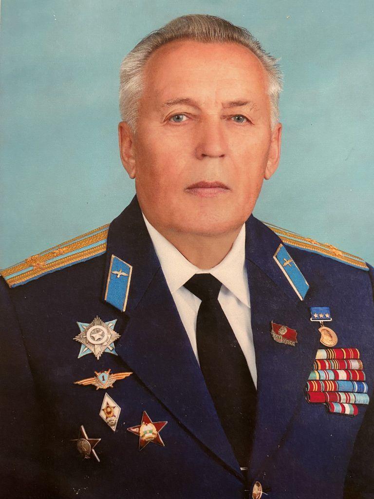 Летчик Владимир Наумкин. Фото из личного архива героя