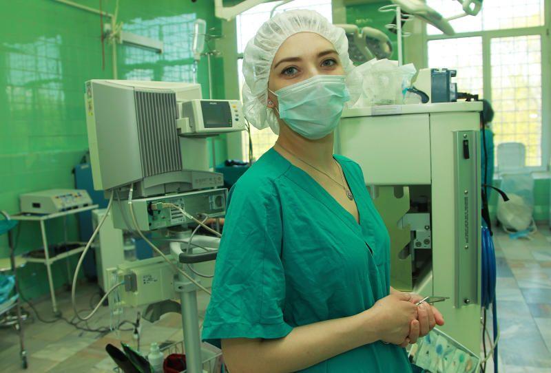 Все заболевшие коронавирусом получают медпомощь