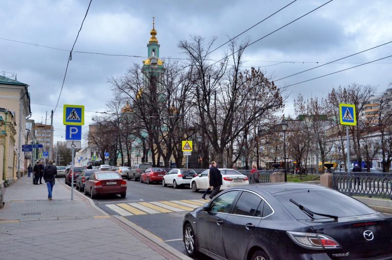 Правила парковки в районе Арбат изменятся в связи с переездом поликлиники на время капремонта