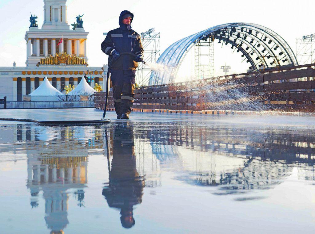 Более полумиллиона гостей посетили каток ВДНХ за три месяца