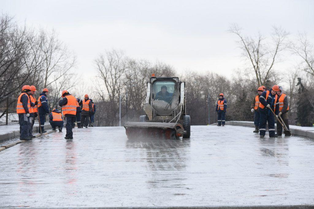 Почти шесть миллионов жителей Москвы продолжают работать
