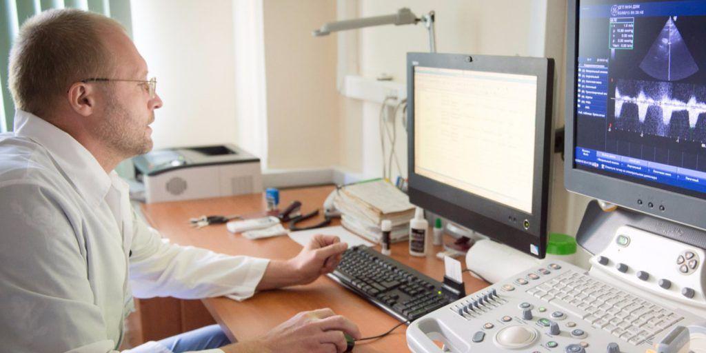 Более 100 тыс консультаций пациентов с COVID-19 провели с начала работы телемедицинского центра