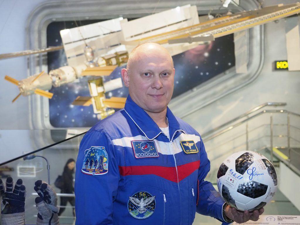 Космонавт-испытатель Олег Артемьев отметил серьезность угрозы COVID-19
