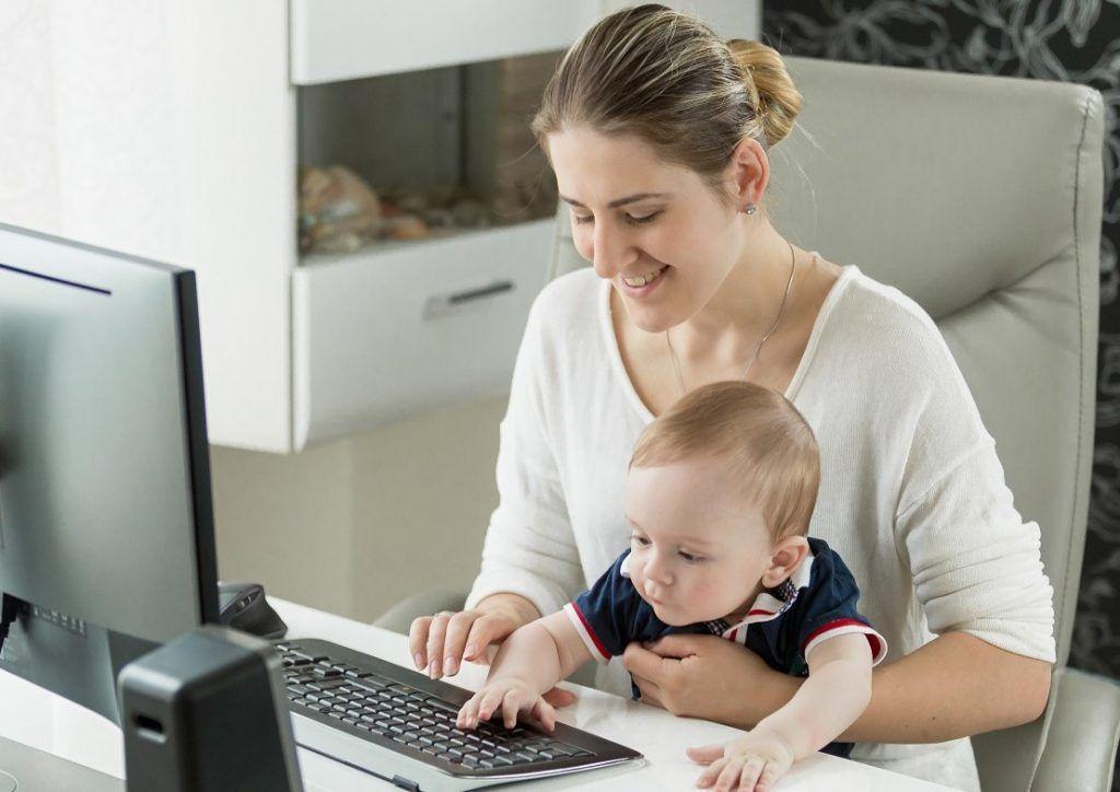 Свыше 6,5 тысячи мам Москвы присоединились к онлайн-программе Центра «Моя карьера»