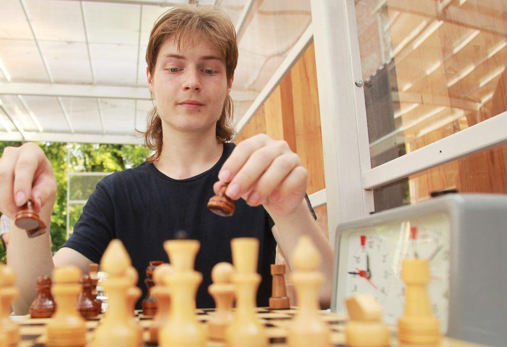Московские семьи пригласили на шахматный турнир онлайн