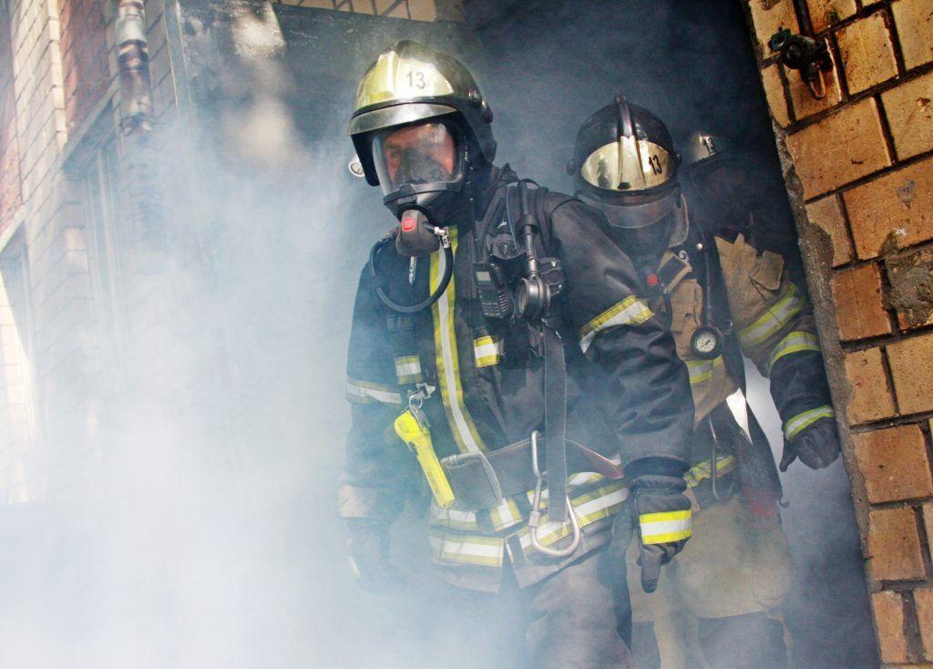 МЧС потушило «трехэтажный» пожар в центре Москвы