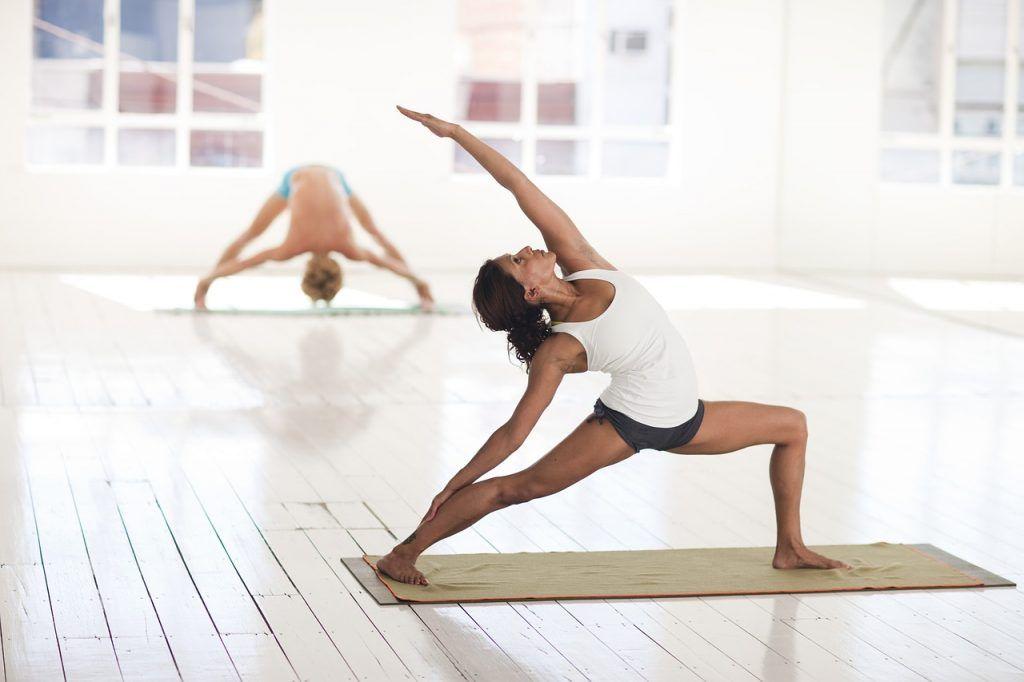 Осваиваем асаны: урок по йоге провели сотрудники Культурного центра «Новослободский»