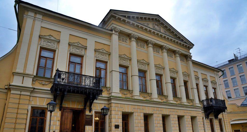 Отправляемся в путешествие: в читальне имени Пушкина пройдет литературная встреча