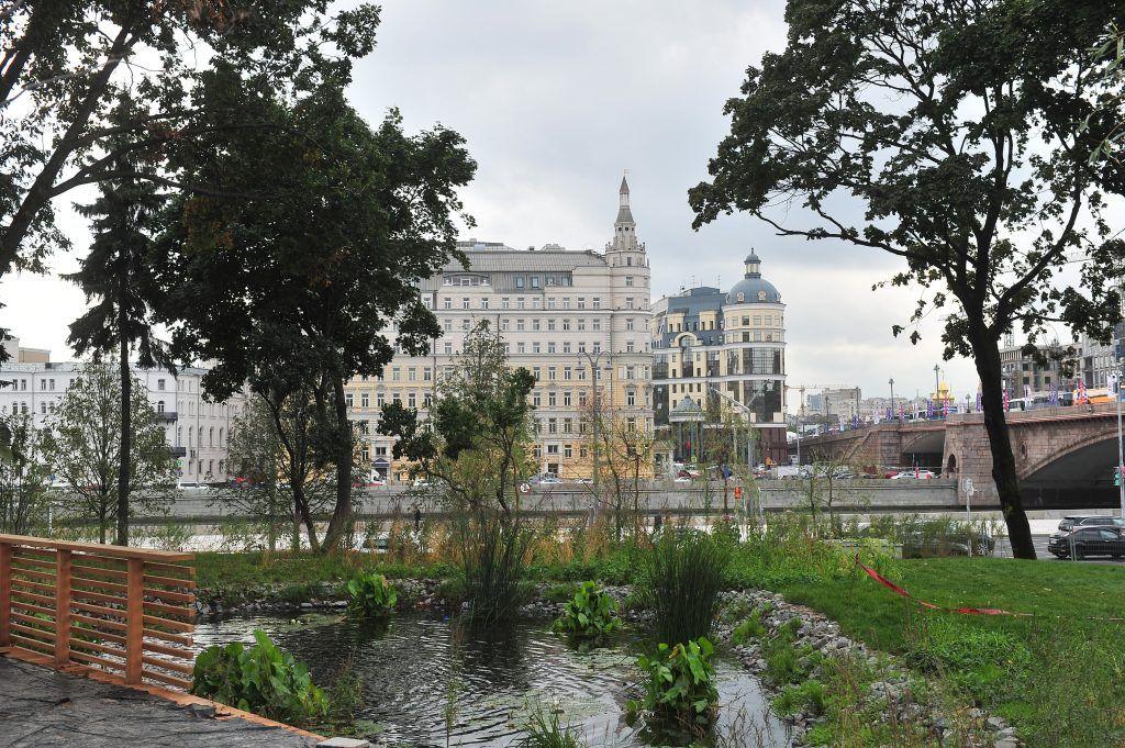 Жителям центра Москвы рассказали о необычных фонтанах «Моего района»