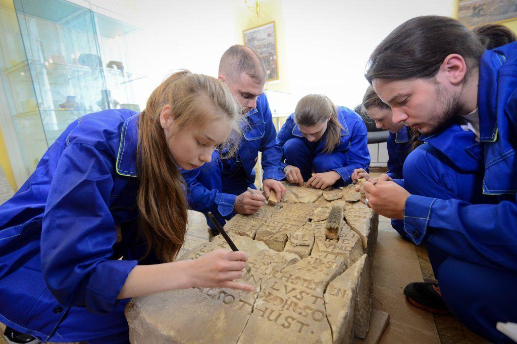 Московские археологи нашли деньги и украшения из Золотой Орды
