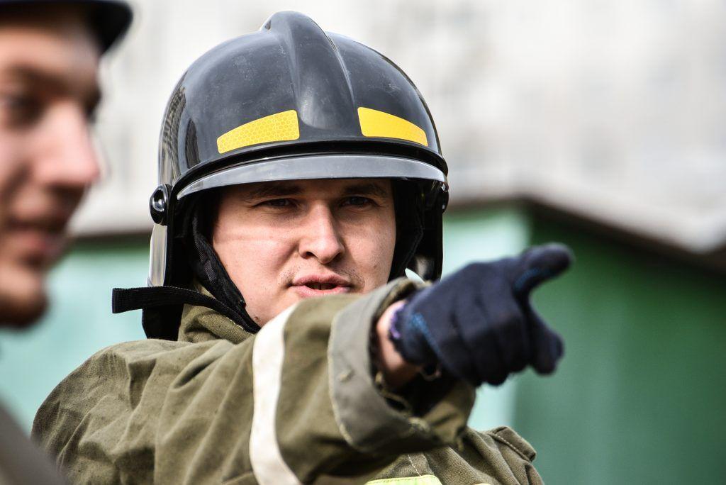 МЧС спасло семь человек из пожара на северо-востоке Москвы