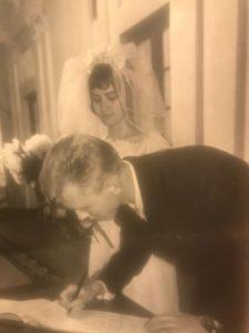 Пара сыграла свадьбу 4 июня 1965 года. Фото: из личного архива