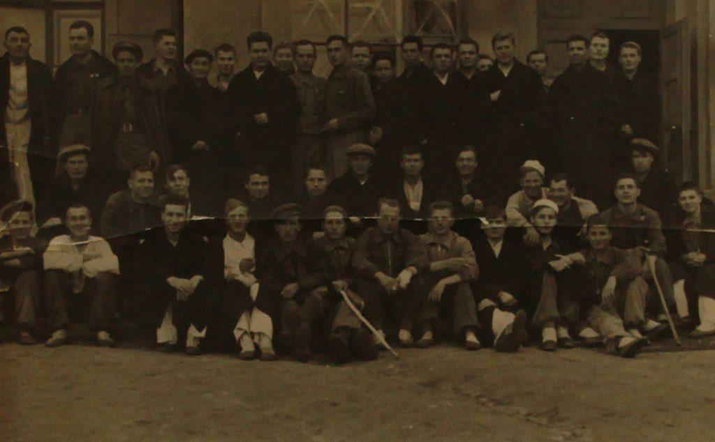 7 октября 1942 года. Леонид Терехин в военном госпитале в поселке Монино с другими Бойцами. Фото: из личного архива