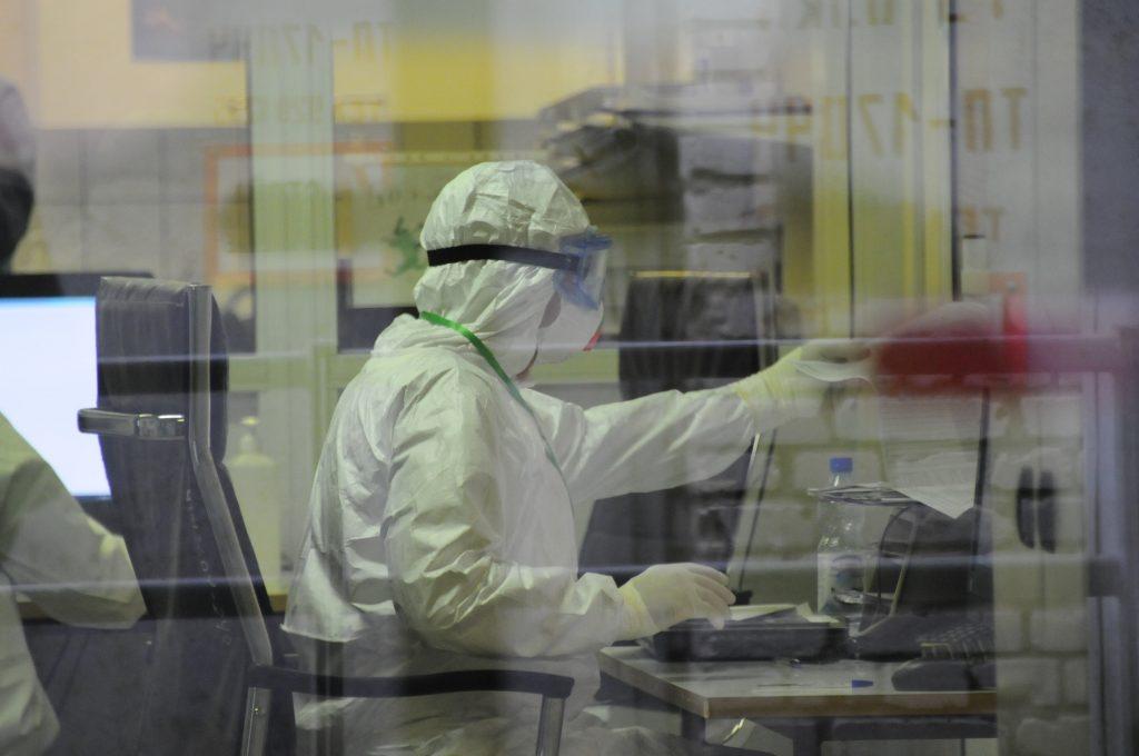 Еще 695 случаев коронавируса выявили в Москве
