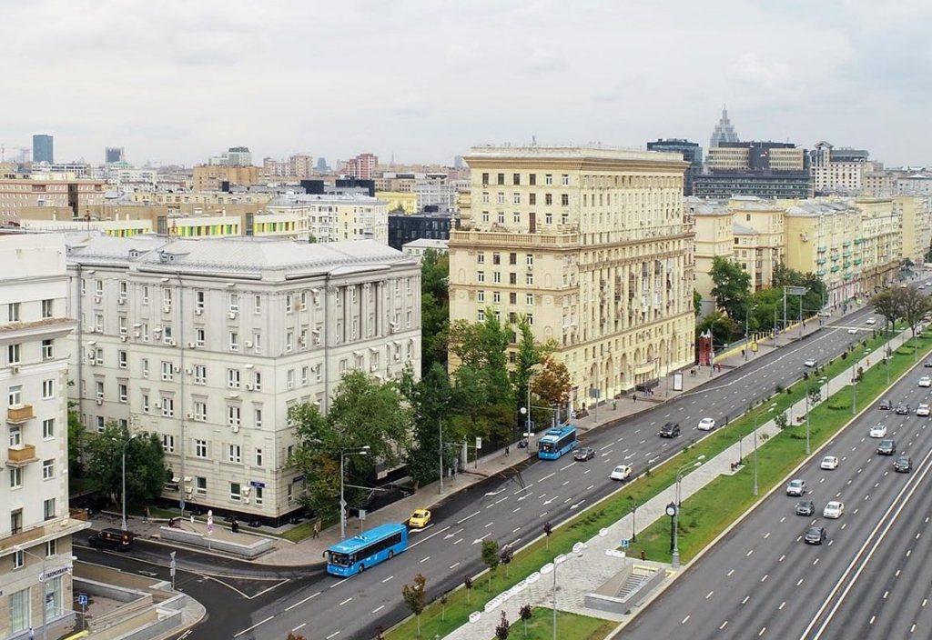 В июне практически половина зарегистрированных в Центральной России ДДУ оформлена в Москве