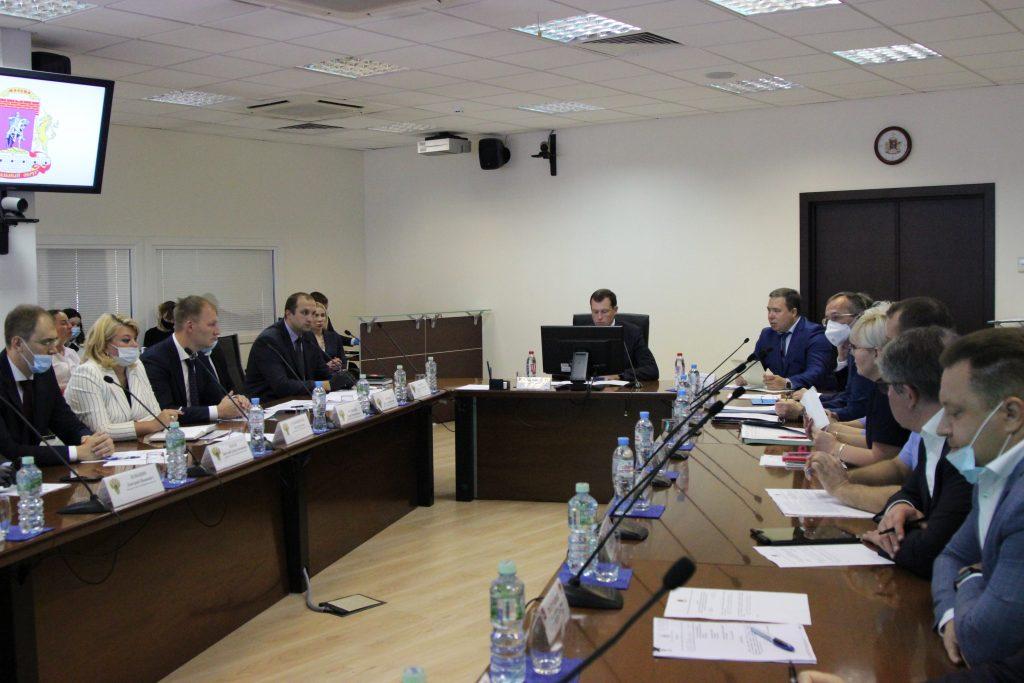Префект Центрального округа Владимир Говердовский провел межведомственное совещание. Фото предоставили в пресс-службе Префектуры ЦАО
