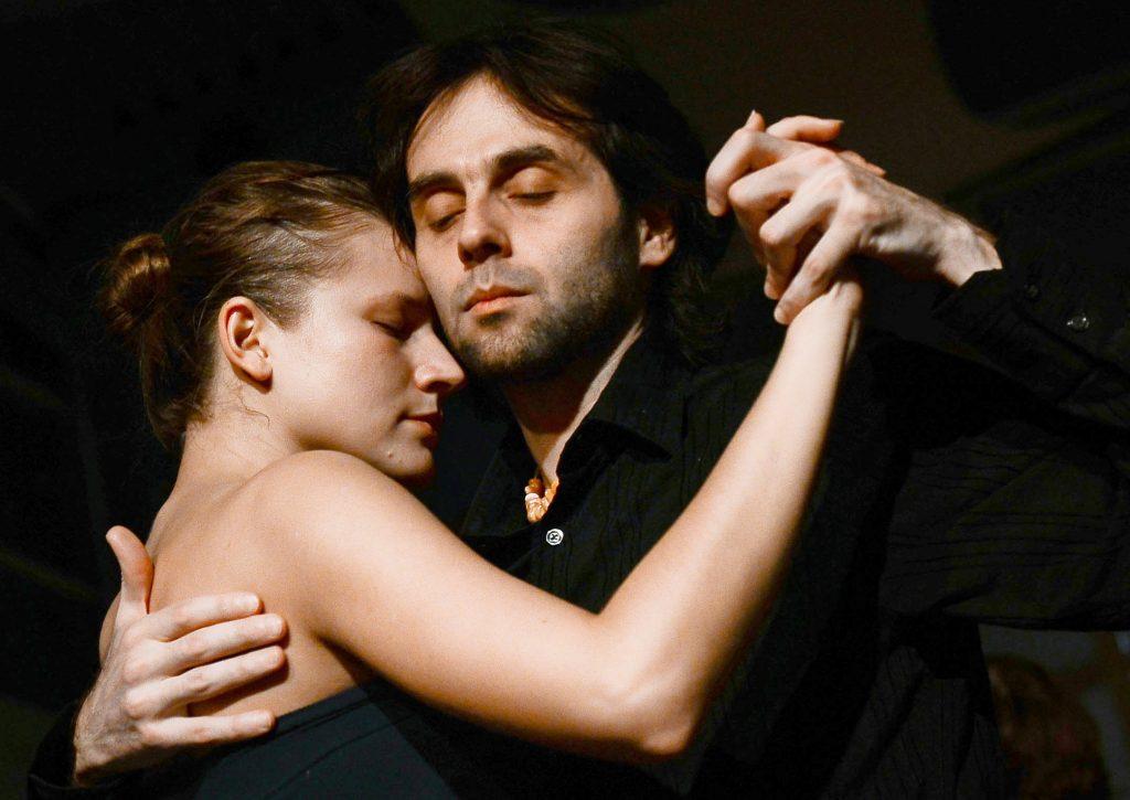 Москвичей научат танго в саду «Эрмитаж»
