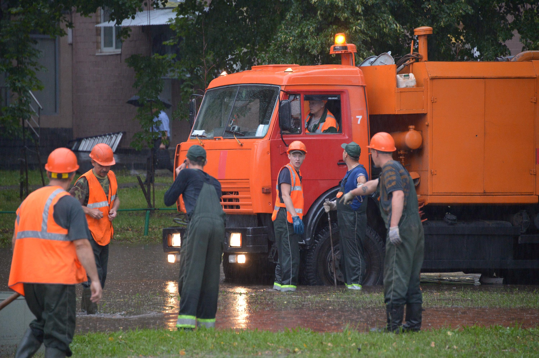 Городский службы отработали в плохую погоду в штатном режиме. Фото: Александр Казаков, «Вечерняя Москва»