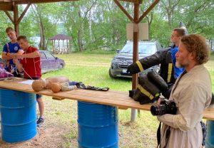 Московские спасатели научили студентов оказывать первую помощь. Фото предоставили в ГОЧС