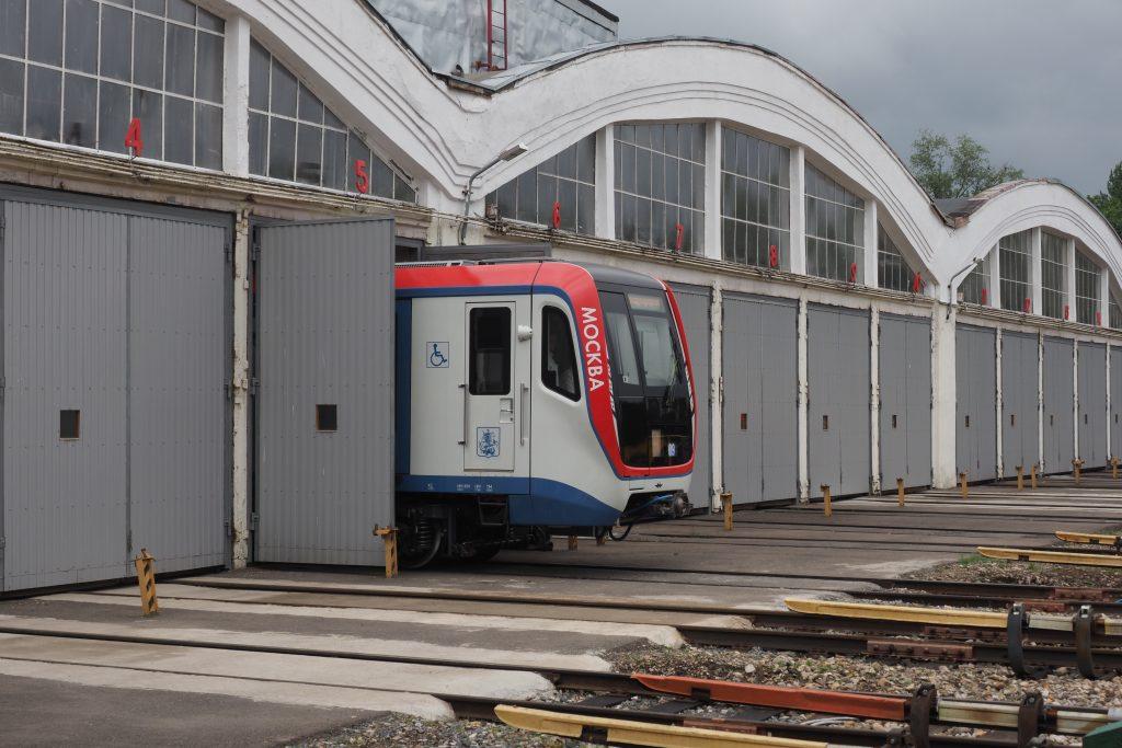 Новый поезд метро посвятили фотовыставке Московского транспорта