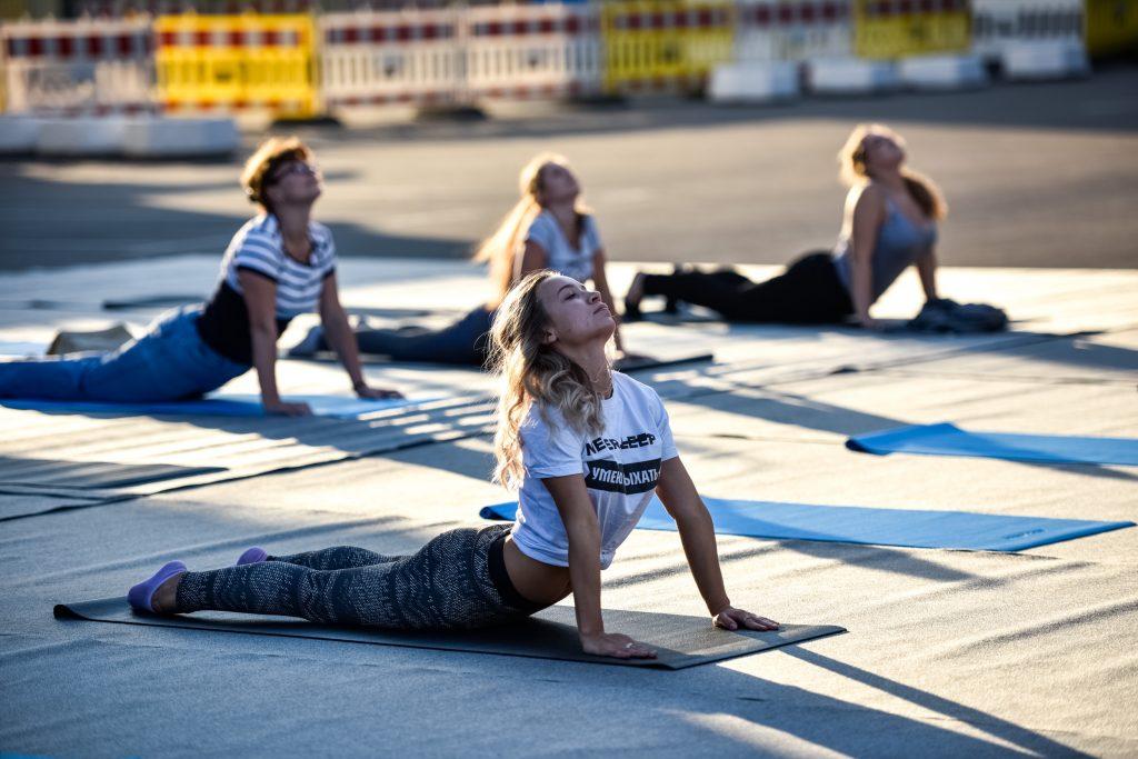 Более 20 парков Москвы начали проводить тренировки на свежем воздухе