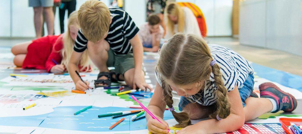 Цветной картон и ручка: сотрудники Музея Сергея Есенина научат ребят создавать книгу онлайн