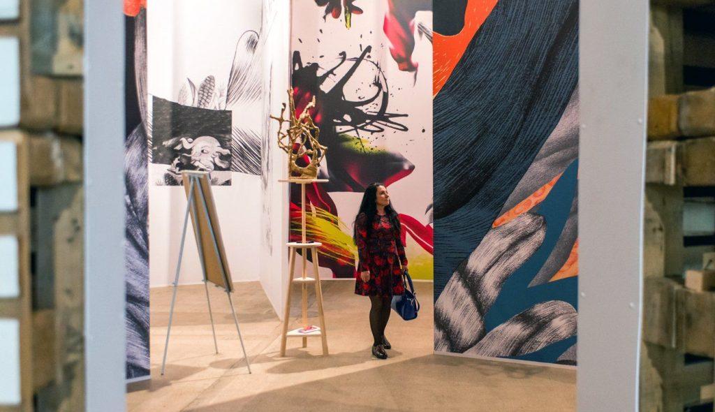 Эклектичность и колоритность: выставку «Крюкриноксы» открыли в галерее «Здесь на Таганке»