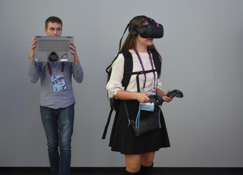 Окунуться в виртуальный мир: серию лекция подготовили в Цифровом деловом пространстве. Фото: Александр Кожохин, «Вечерняя Москва»