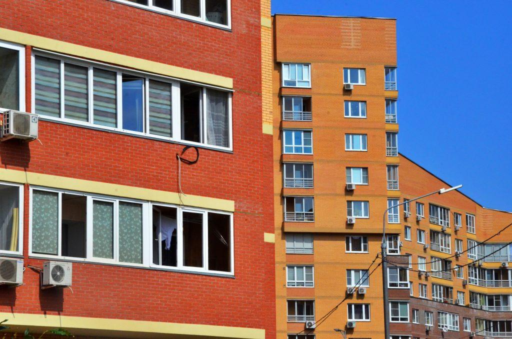 Подрядчика для разработки проектной документации по капремонту жилого дома выберут в Красносельском районе