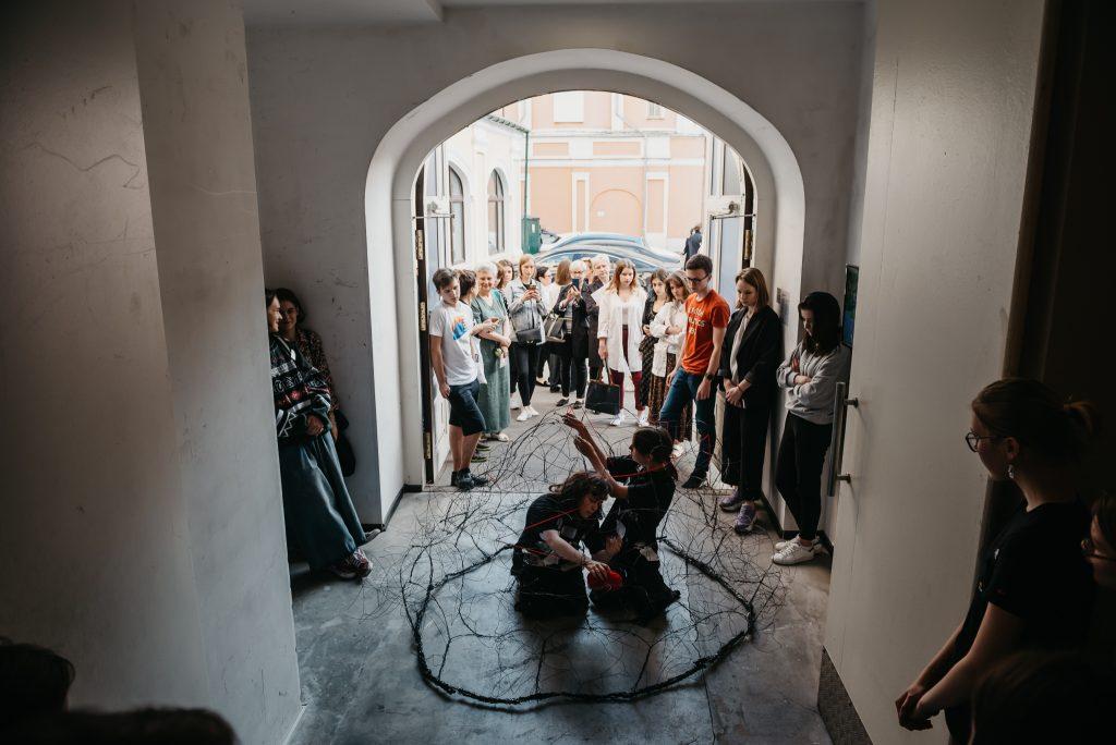 Инсталляции и перформансы: новую выставку-фестиваль подготовили в Музее Москвы