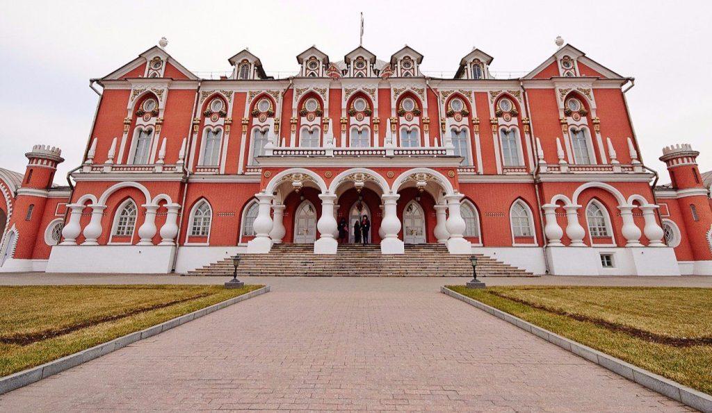 Остатки стен времен правления Бориса Годунова обнаружили в Новодевичьем монастыре