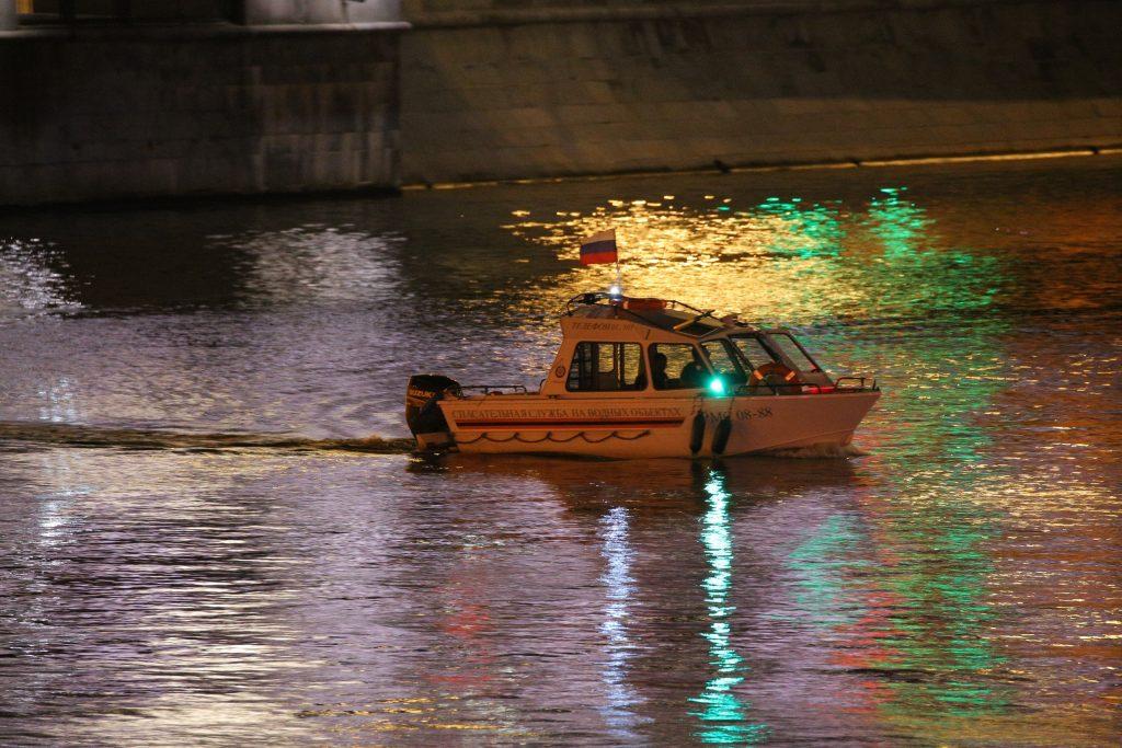 В ЦАО спасли женщину из реки