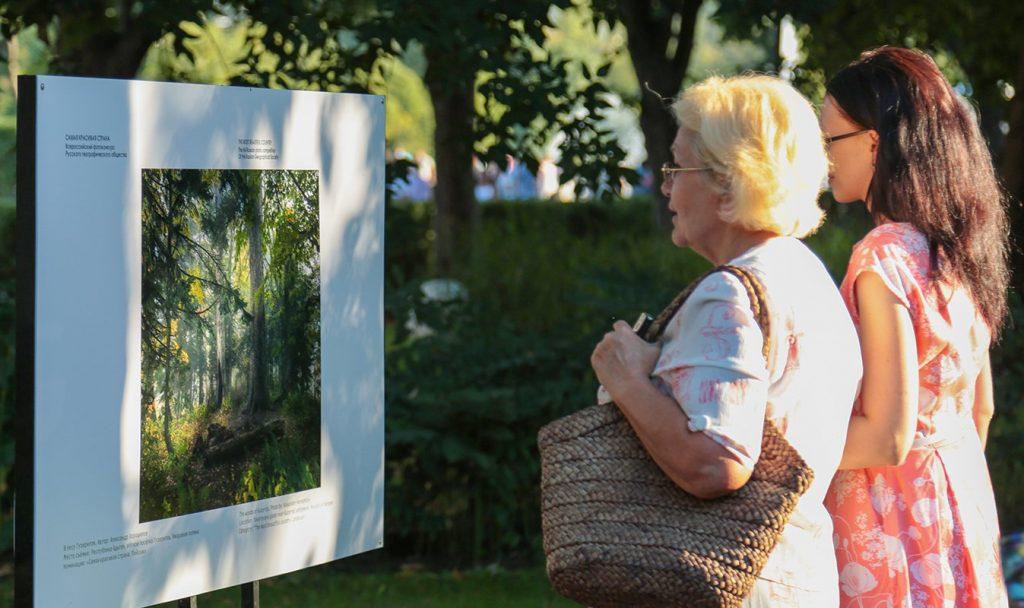 Выставка на трех бульварах: фотоэкспозиции в честь многодетных семей представили вниманию москвичей. Фото: сайт мэра Москвы