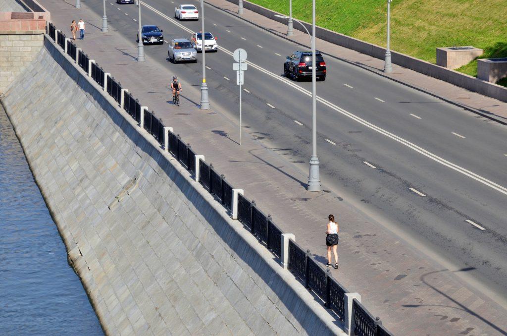 Почти 40 объектов дорожного хозяйства привели в порядок на улицах Красносельского района
