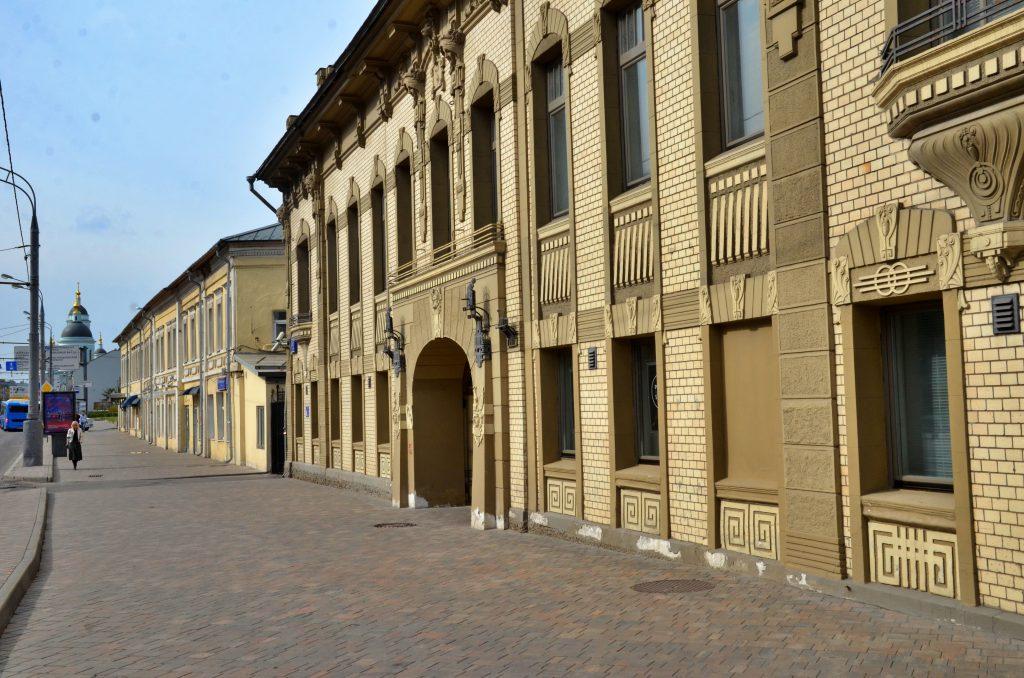 Капитальный ремонт жилого дома проведут на улице Тверской. Фото: Анна Быкова