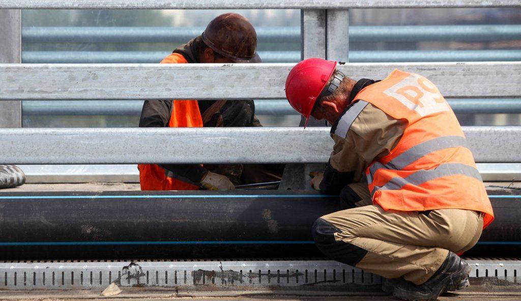Отдельные конструкции пешеходного моста «Андреевский» отремонтируют. Фото: сайт мэра Москвы