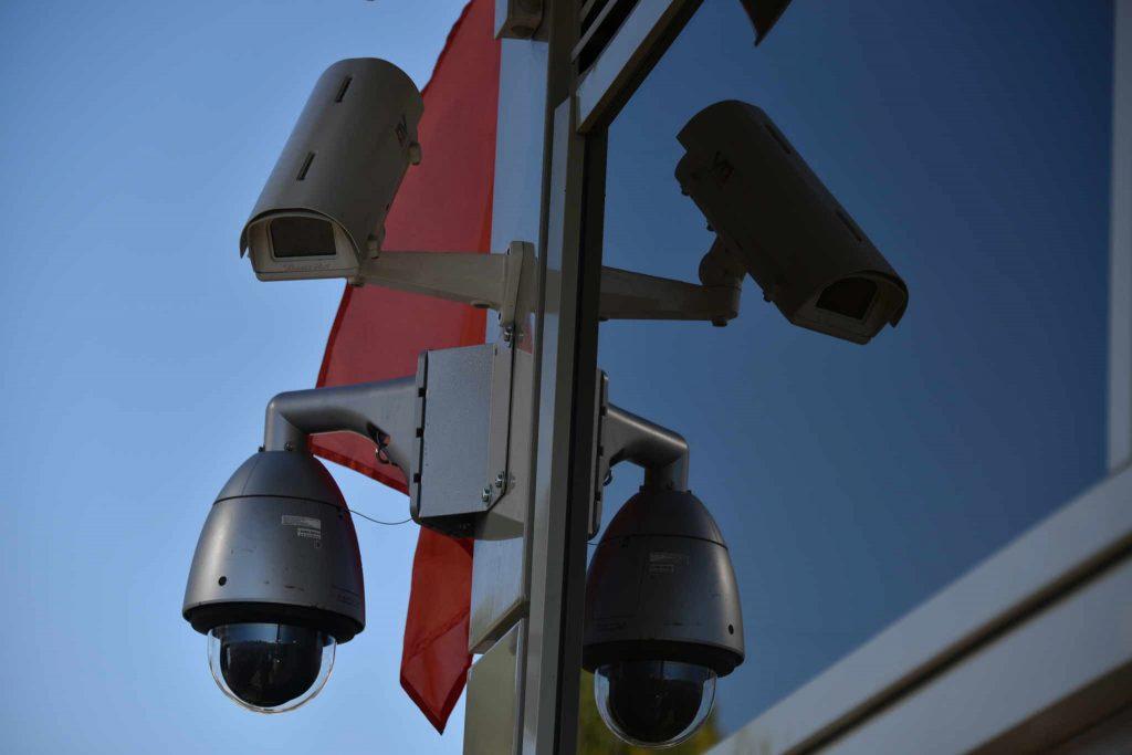 Московские камеры начали фиксировать езду по парковкам