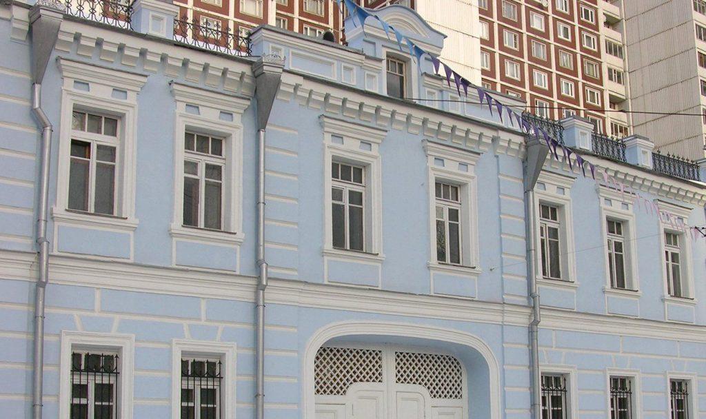 Один из этаповработ по капитальному ремонтувыполнят в домев Красносельском районе