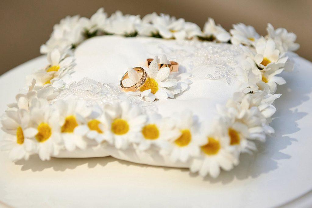 Около 850 столичных пар выбрали «красивую дату» для свадьбы