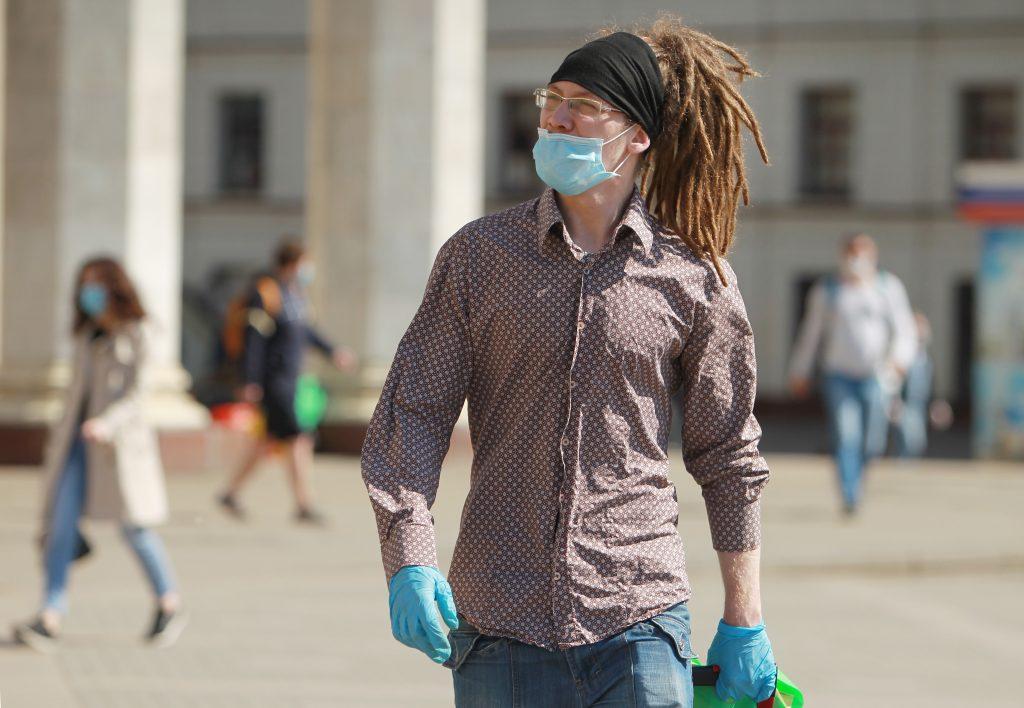 Роспотребнадзор дал рекомендации по ношению масок в жару