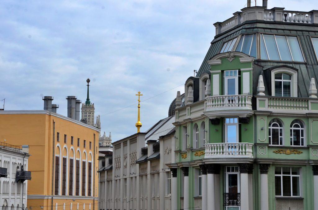 Фасады и крыши жилых домов отремонтируют на некоторых улицах в Таганском районе
