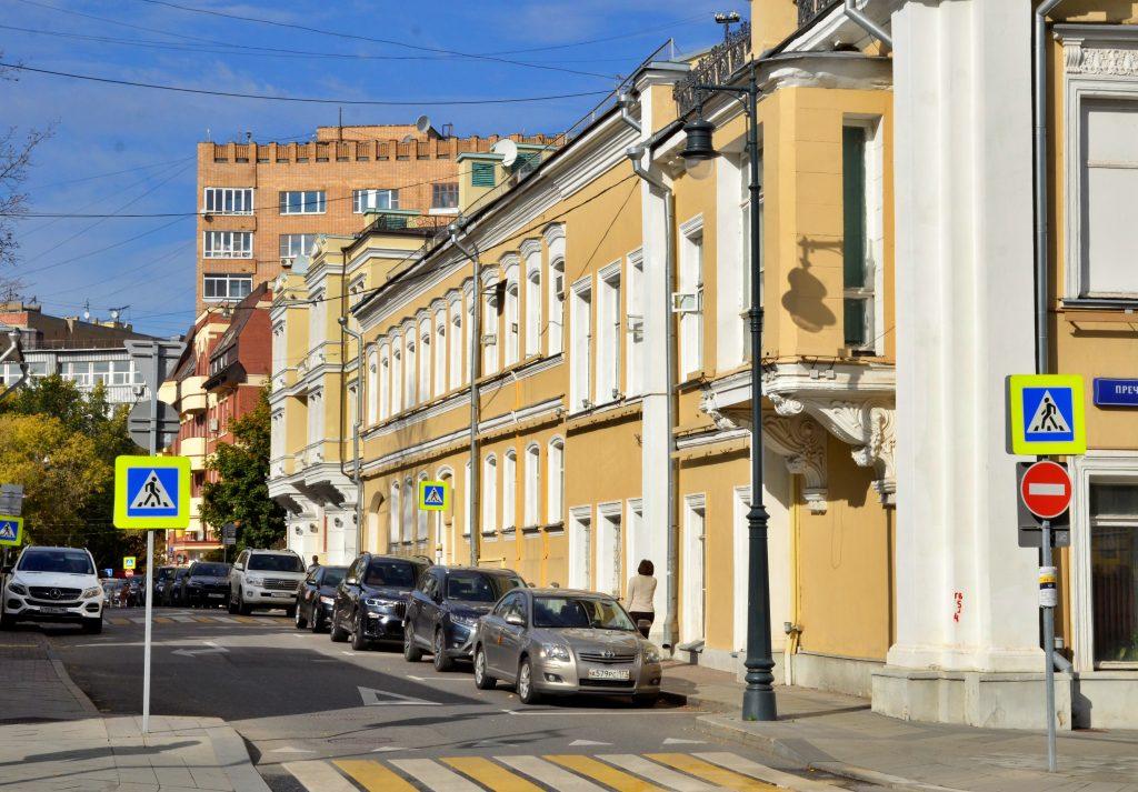 Сотрудники «Жилищника» проверили 200 домов Мещанского района